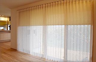 38:カーテン、ロールスクリーン、ウッドブラインドのコーディネート及び施工