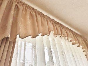 54:バランス及びカーテンの施工